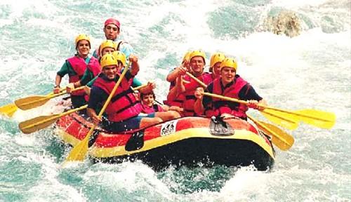 Descenso-de-ríos-para-relajarse-o-para-soltar-adrenalina-500x288.jpg