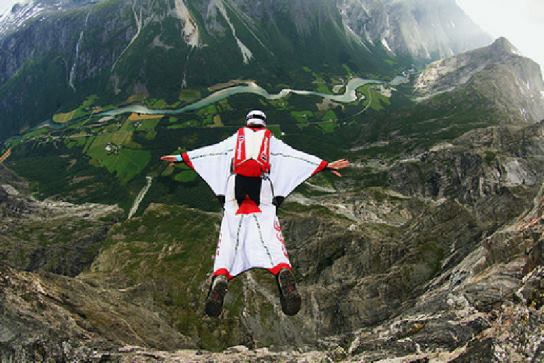 Volar con solo un traje - Deportes de aventura para tod@s