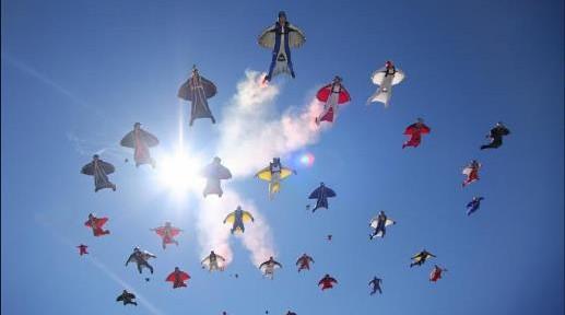 Volar-con-solo-un-traje-3-517x288.jpg