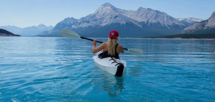 canoa en el mar